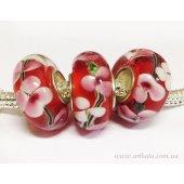 Бусина Красная с розовыми и белыми трилистниками