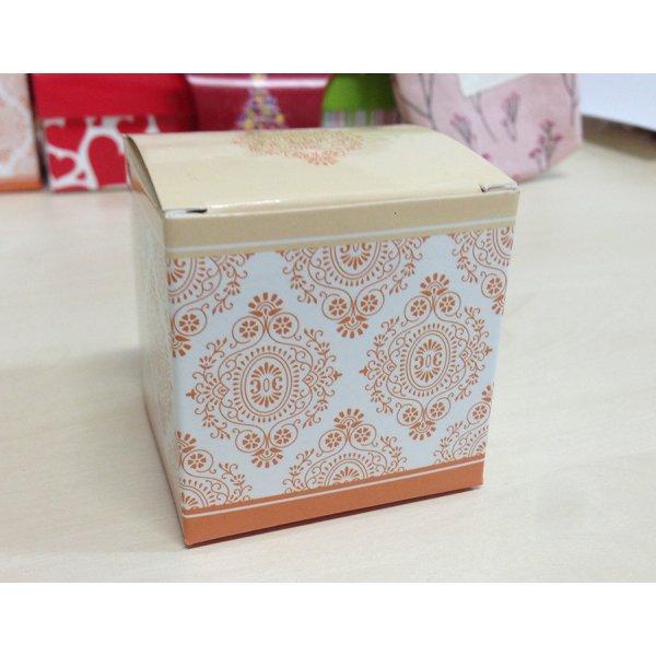Коробочка с крышечкой оранжевая